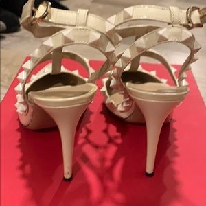 Valentino Shoes - Valentino Rockstud - ivory patent leather 38.5